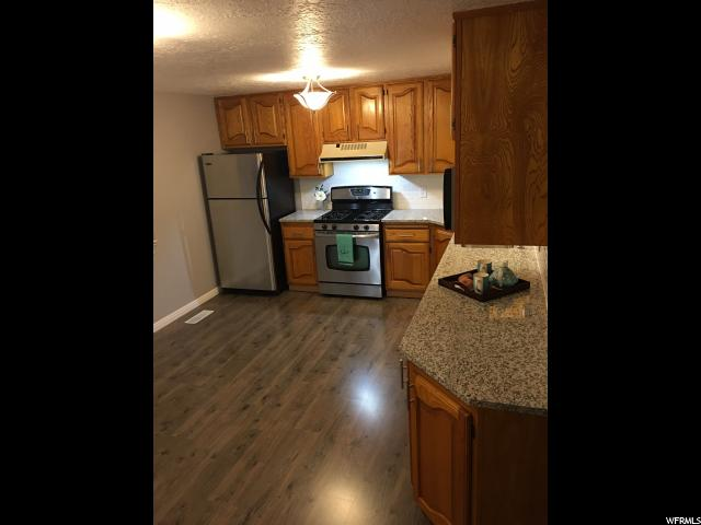 Additional photo for property listing at 2018 W 4250 S 2018 W 4250 S Roy, Utah 84067 Estados Unidos