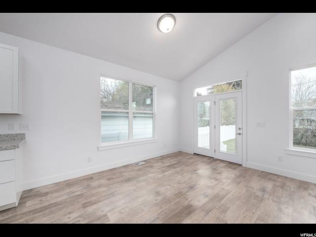 Additional photo for property listing at 915 E 3105 S Lane 915 E 3105 S Lane Salt Lake City, Юта 84106 Соединенные Штаты