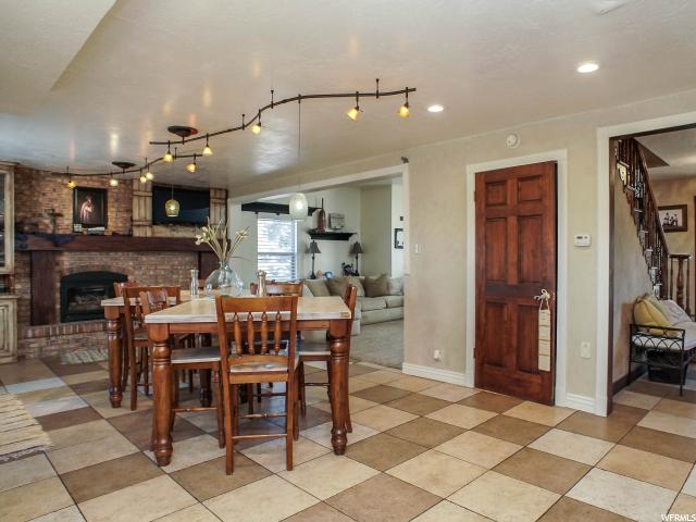 Additional photo for property listing at 1267 N 400 W 1267 N 400 W Centerville, Utah 84014 États-Unis