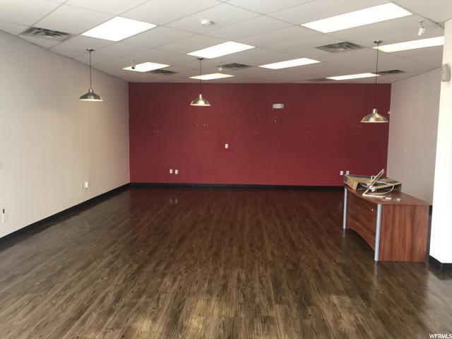 Additional photo for property listing at 1290 S 300 W 1290 S 300 W Salt Lake City, Utah 84115 Estados Unidos