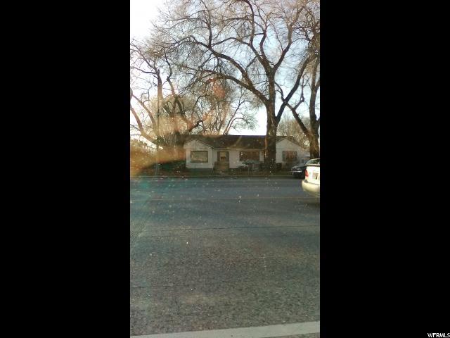 Terrain pour l Vente à 261 N REDWOOD Road 261 N REDWOOD Road Salt Lake City, Utah 84105 États-Unis