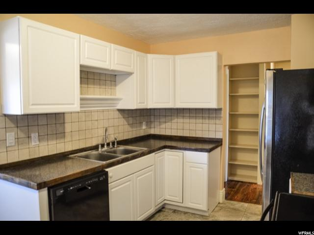 181 S COUNTRY CLUB DR South Ogden, UT 84405 - MLS #: 1494727