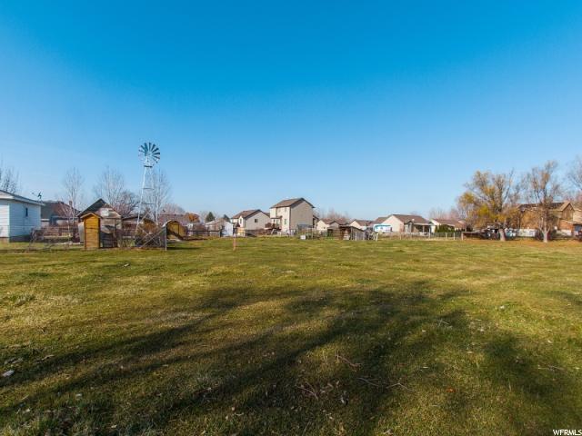 土地,用地 为 销售 在 2930 W 6000 S 2930 W 6000 S Roy, 犹他州 84067 美国