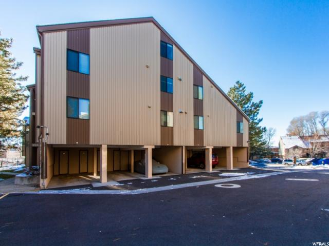 Condominio por un Venta en 1175 CANYON Road 1175 CANYON Road Unit: 52-C Ogden, Utah 84404 Estados Unidos