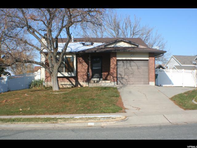 Один семья для того Продажа на 1161 E 1350 N Road 1161 E 1350 N Road Layton, Юта 84040 Соединенные Штаты
