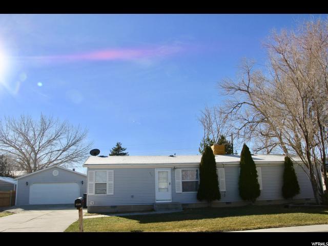 单亲家庭 为 销售 在 459 W RICHARD Street 459 W RICHARD Street Grantsville, 犹他州 84029 美国