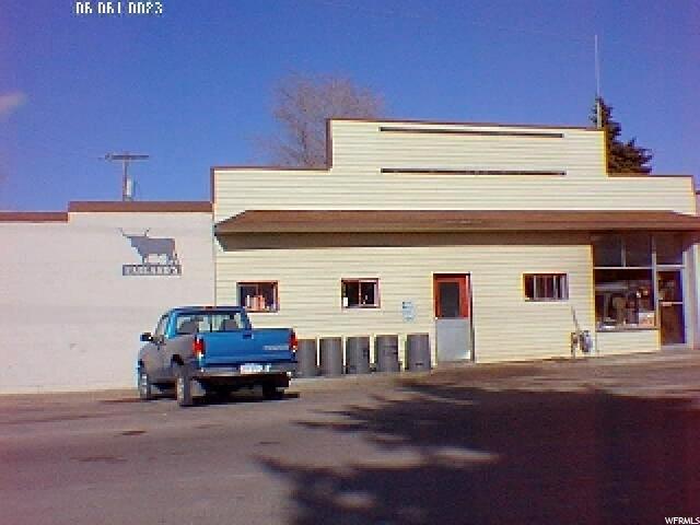 Commercial pour l Vente à 06-061-0117, 20 W 1400 S 20 W 1400 S Garland, Utah 84312 États-Unis