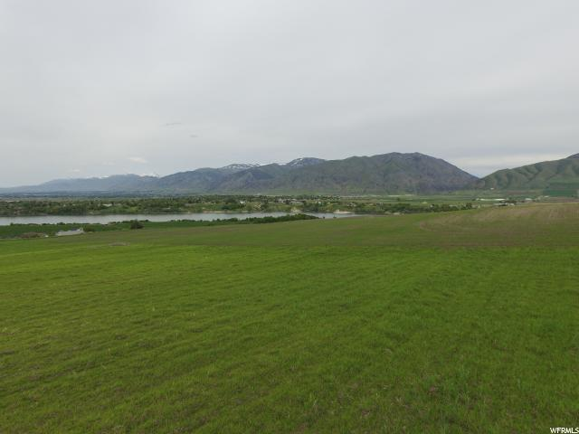 Additional photo for property listing at 1452 W 6730 S 1452 W 6730 S Hyrum, Utah 84319 États-Unis