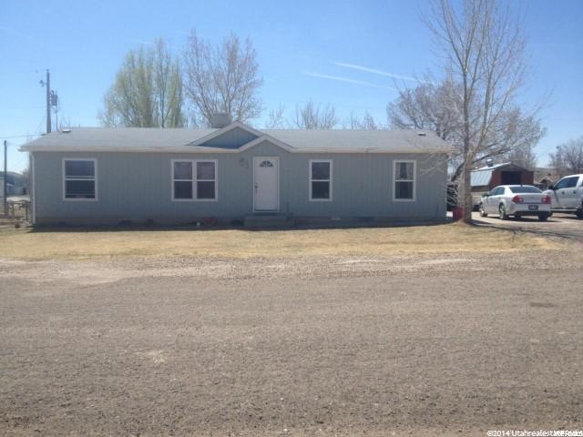 Single Family for Sale at 140 E TAMARAC Avenue 140 E TAMARAC Avenue Green River, Utah 84525 United States