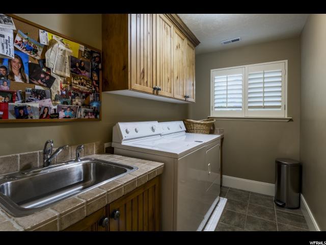 1682 E APPLE ORCHARD CT Draper, UT 84020 - MLS #: 1495818