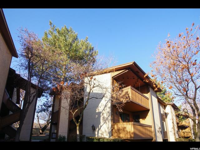 6904 S COUNTRYWOODS CIR Unit 27D Cottonwood Heights, UT 84047 - MLS #: 1495969