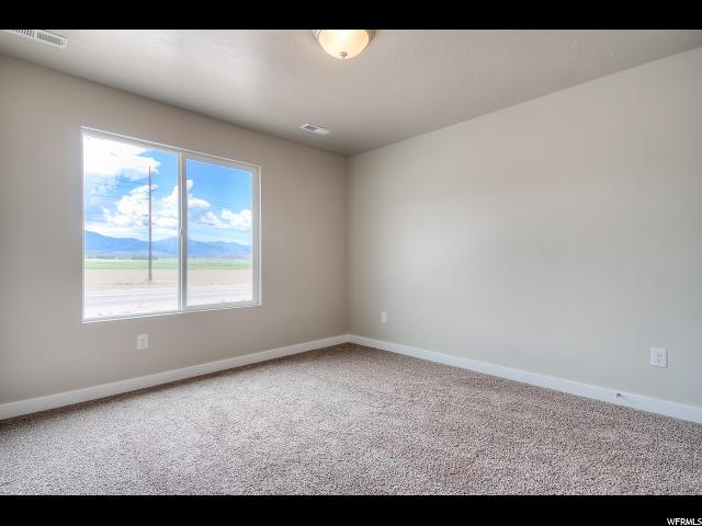 Additional photo for property listing at 3672 W CREEK MEADOW Road 3672 W CREEK MEADOW Road Unit: 26 Riverton, Utah 84065 United States
