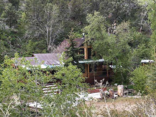 单亲家庭 为 销售 在 10115 S WILLOW CANYON WAY 10115 S WILLOW CANYON WAY Grantsville, 犹他州 84029 美国