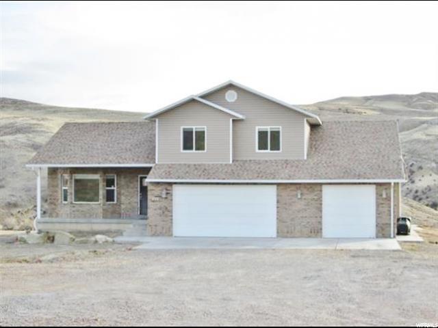 单亲家庭 为 销售 在 310 S 6700 E BRUSH CREEK Road 310 S 6700 E BRUSH CREEK Road Vernal, 犹他州 84078 美国