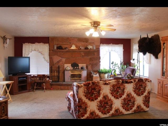 Additional photo for property listing at Address Not Available  Loa, Utah 84747 Estados Unidos