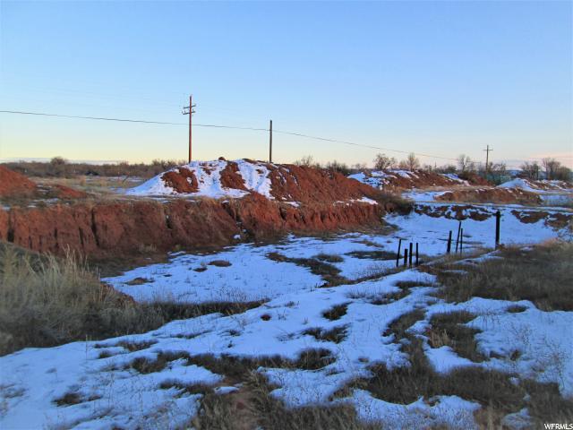 Terrain pour l Vente à 178 S 9500 E 178 S 9500 E Gusher, Utah 84026 États-Unis
