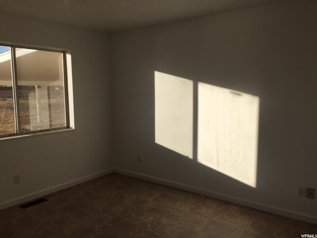 Additional photo for property listing at 1091 N STATE Street 1091 N STATE Street Roosevelt, 犹他州 84066 美国