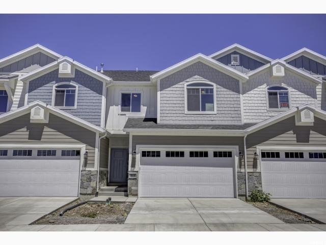 Maison accolée pour l Vente à 213 E 1163 S 213 E 1163 S Orem, Utah 84058 États-Unis