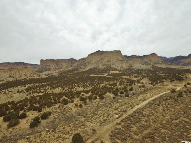 Terreno por un Venta en 5341 N EAGLE Drive 5341 N EAGLE Drive Kenilworth, Utah 84529 Estados Unidos