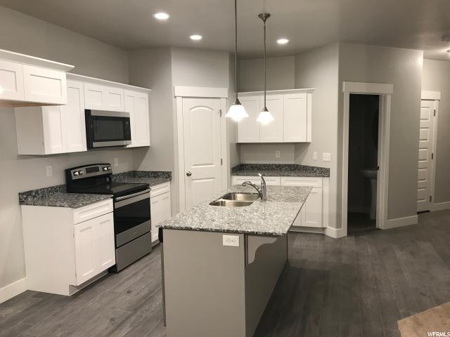 Maison accolée pour l Vente à 14541 S JUNIPER SHADE Drive 14541 S JUNIPER SHADE Drive Herriman, Utah 84096 États-Unis