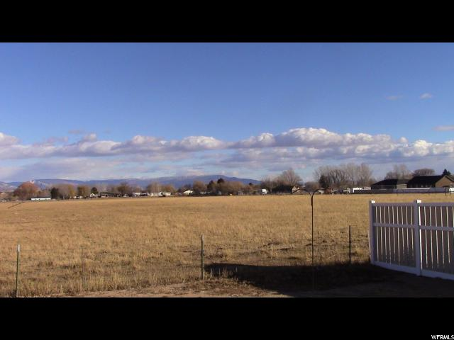 Additional photo for property listing at 913 S 250 W 913 S 250 W Vernal, Utah 84078 États-Unis