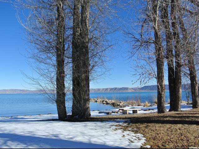 Single Family for Sale at 526 N BEAR LAKE Boulevard 526 N BEAR LAKE Boulevard Garden City, Utah 84028 United States