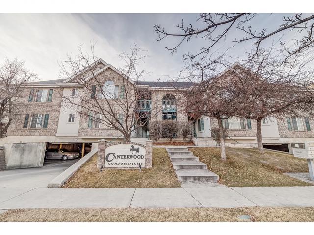 Condominio por un Venta en 933 N UNIVERSITY Avenue 933 N UNIVERSITY Avenue Unit: 4 Provo, Utah 84604 Estados Unidos