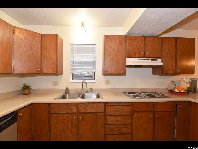 4461 S ROXBOROUGH West Valley City, UT 84119 - MLS #: 1500307