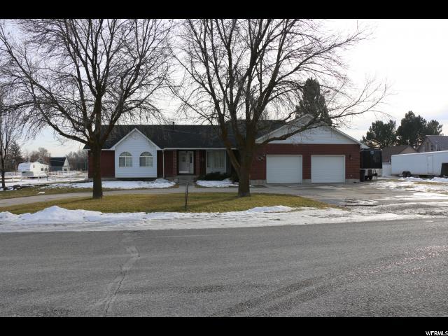 单亲家庭 为 销售 在 44 E 100 N 44 E 100 N Newton, 犹他州 84327 美国