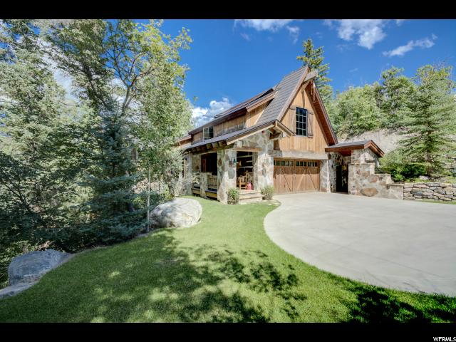 单亲家庭 为 销售 在 2983 E RIDGETOP Road 2983 E RIDGETOP Road 圣丹斯, 犹他州 84604 美国