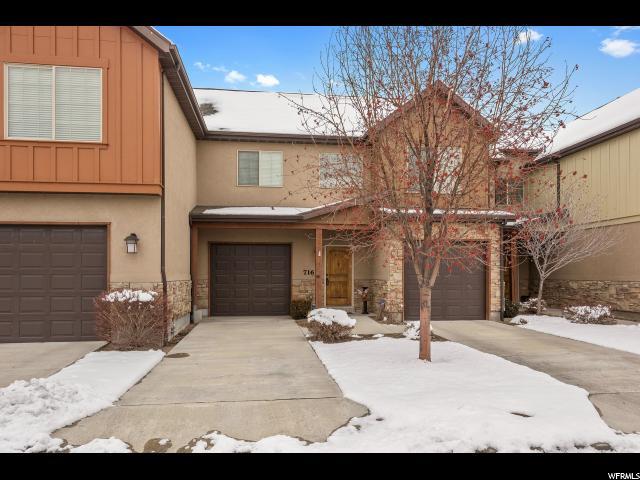 Casa unifamiliar adosada (Townhouse) por un Venta en 716 W MYSTIC BROOK WAY 716 W MYSTIC BROOK WAY South Jordan, Utah 84095 Estados Unidos