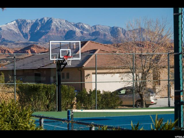 584 S DIXIE DR St. George, UT 84770 - MLS #: 1501517
