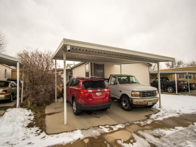 واحد منزل الأسرة للـ Sale في 3231 W HANOVER PARK Drive 3231 W HANOVER PARK Drive West Valley City, Utah 84119 United States