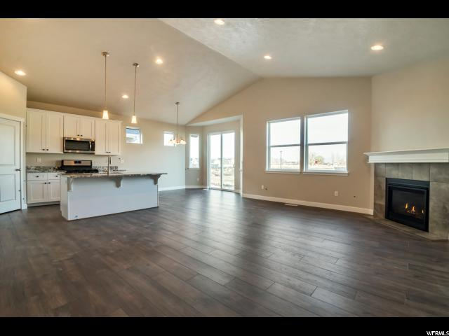 2212 W AUTUMN DR Unit 17 Mapleton, UT 84664 - MLS #: 1502862