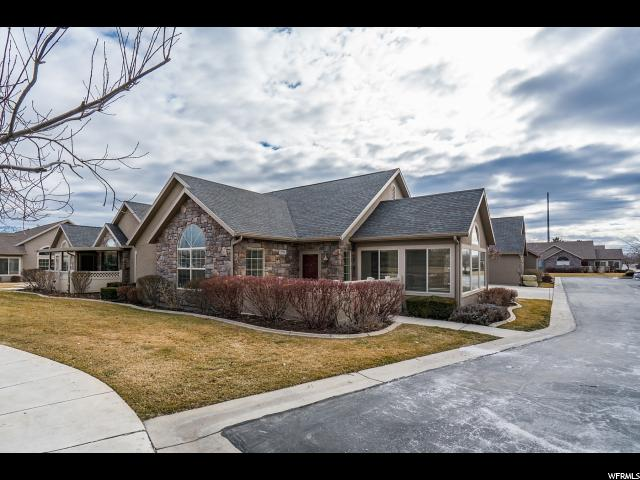 Twin Home للـ Sale في 2974 ABBEY Circle 2974 ABBEY Circle West Jordan, Utah 84084 United States