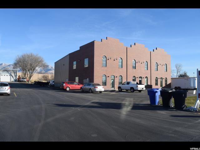 Additional photo for property listing at 1980 N 2000 W 1980 N 2000 W Unit: UPPER Farr West, Utah 84404 États-Unis