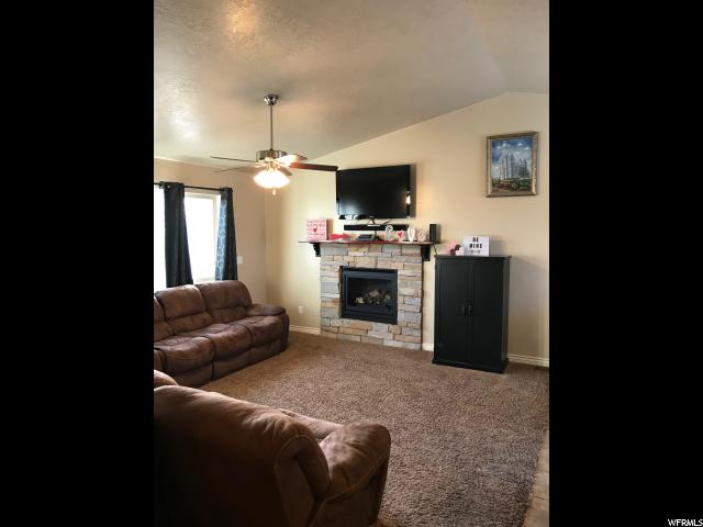 5270 W CROCKETT DR Kearns, UT 84118 - MLS #: 1504253