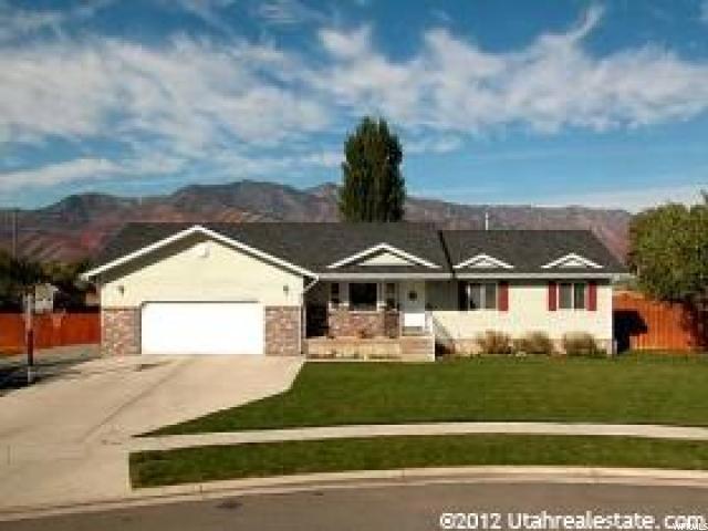 Unique la famille pour l Vente à 335 N 1090 W 335 N 1090 W Hyrum, Utah 84319 États-Unis