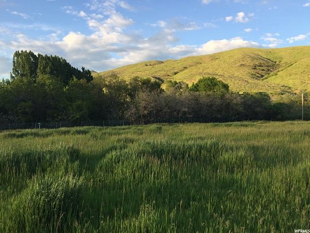 Terrain pour l Vente à 4667 S HWY 66 4667 S HWY 66 Porterville, Utah 84050 États-Unis