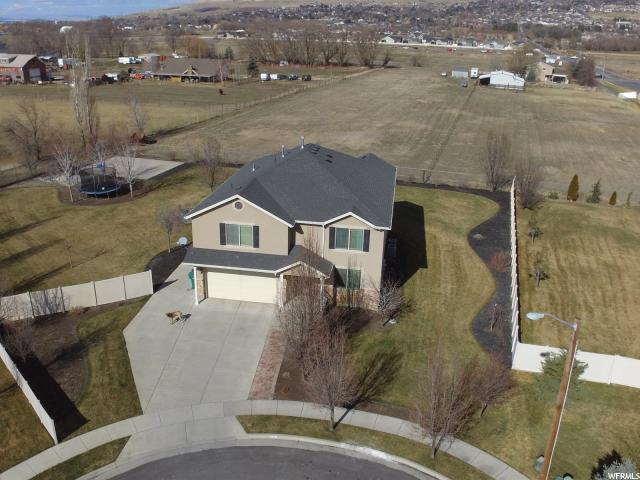 Unique la famille pour l Vente à 608 W 2425 N 608 W 2425 N Harrisville, Utah 84414 États-Unis