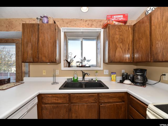 5766 W CAPE COD DR West Valley City, UT 84128 - MLS #: 1504661