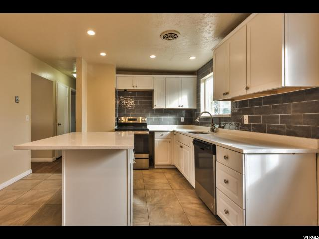 3201 S MOCKINGBIRD WAY West Valley City, UT 84119 - MLS #: 1504677
