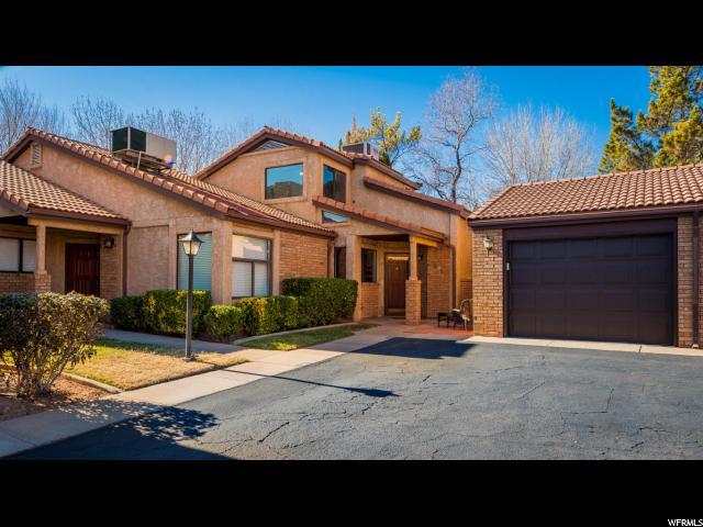 Maison accolée pour l Vente à 691 RIDGE RIM WAY 691 RIDGE RIM WAY St. George, Utah 84770 États-Unis