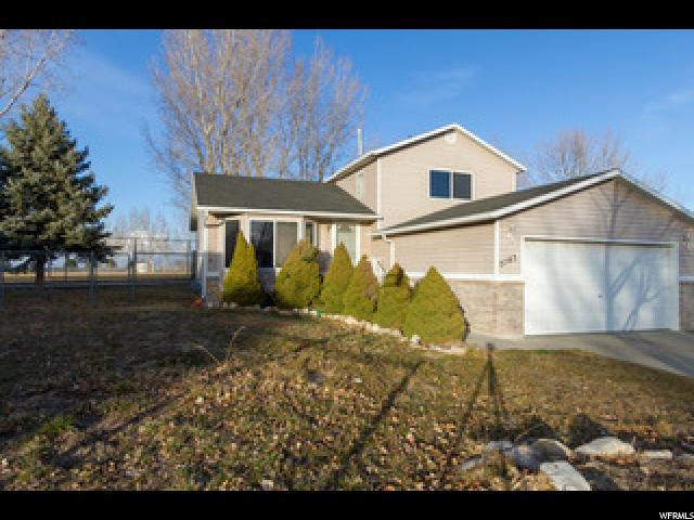 Single Family للـ Sale في 5743 S FIELD Circle 5743 S FIELD Circle Kearns, Utah 84118 United States