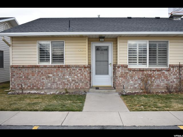 Doble Inicio por un Venta en 947 E CANYON Road 947 E CANYON RD Unit: 44 Ogden, Utah 84404 Estados Unidos