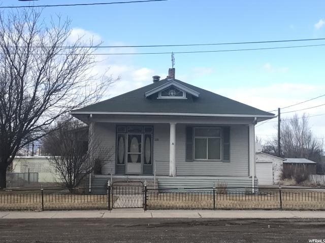 单亲家庭 为 销售 在 35 E CENTER 35 E CENTER Monroe, 犹他州 84754 美国