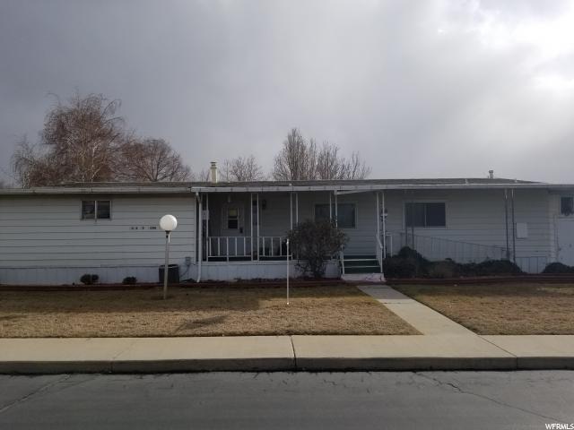 Частный односемейный дом для того Продажа на 6414 S 1080 W 6414 S 1080 W Murray, Юта 84123 Соединенные Штаты