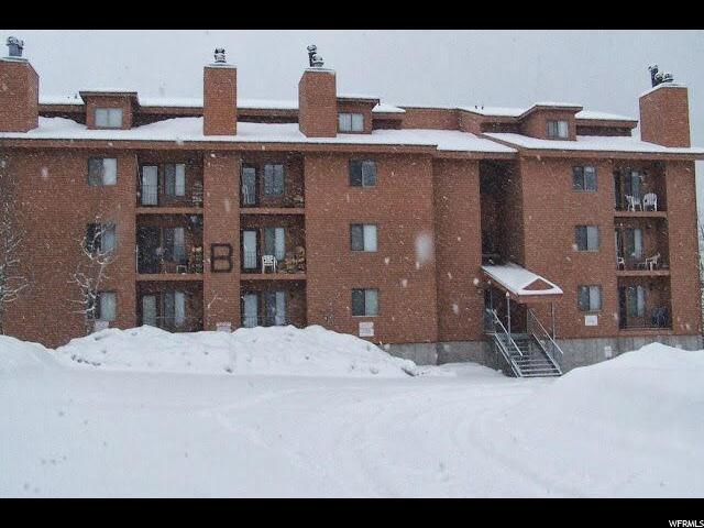 共管式独立产权公寓 为 销售 在 464 N HWY 143 464 N HWY 143 Unit: B 306 Brian Head, 犹他州 84719 美国