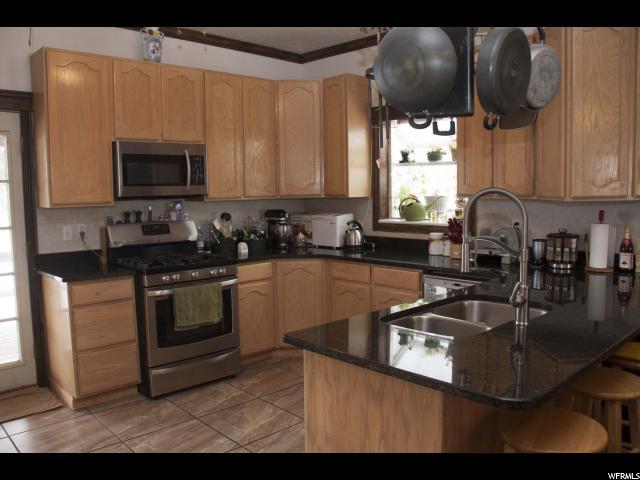 405 E 300 Clearfield, UT 84015 - MLS #: 1506446