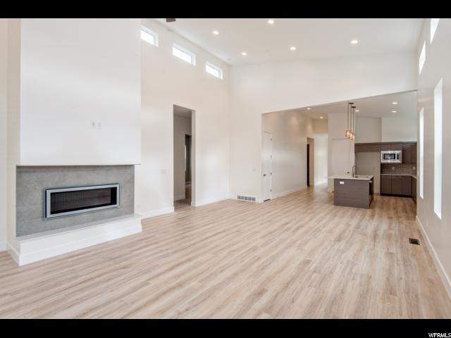 Additional photo for property listing at 1326 W MIDAS POINT CV 1326 W MIDAS POINT CV South Jordan, Utah 84065 Estados Unidos